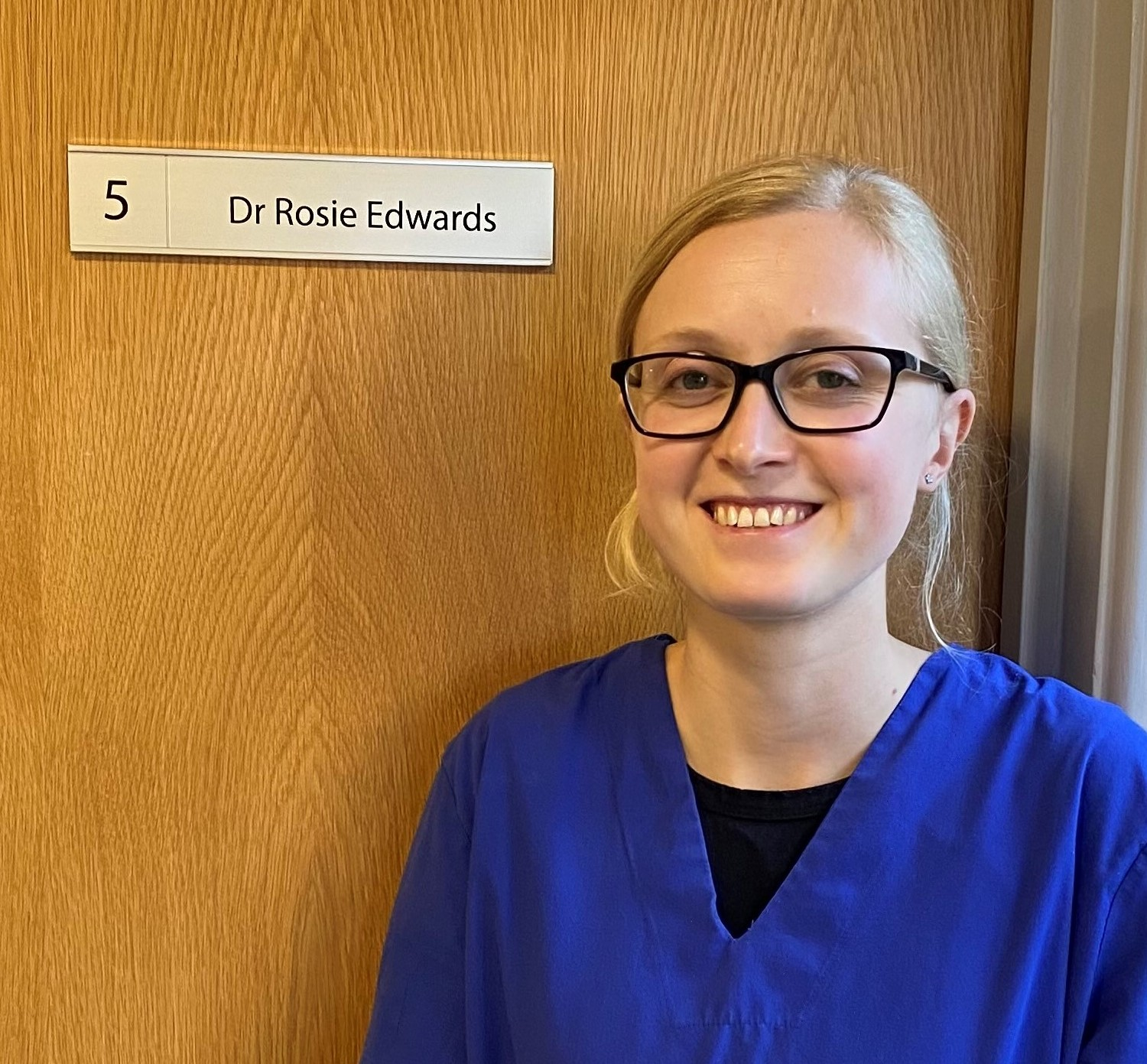 Dr Rosie Edwards